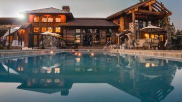 backyard-house-lights